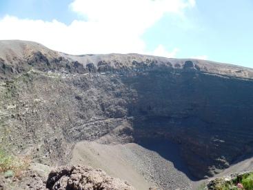 Wezuwiusz, krater